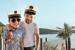 Manželia si vychutnávajú dovolenku pri Jadrane.