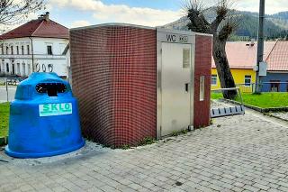 Kuriózna stavba sa nachádza na švedlárskom námestí už vyše desiatich rokov.