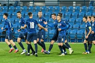 Radosť hráčov Slovenska po prvom góle v zápase 2. skupiny kvalifikácie ME 2021 hráčov do 21 rokov vo futbale Slovensko - Lichtenštajnsko.
