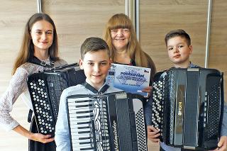 Sára Sokolová (15), Michal Semančík (12), Peter Sokol (12)