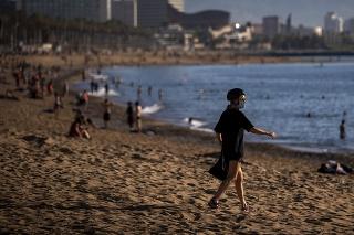 Španielska vláda nariadila povinné nosenie rúšok pre všetkých ľudí starších ako šesť rokov.