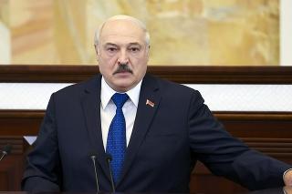 Samotný Lukašenko obhajuje odklon letu spoločnosti Ryanair.