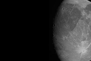 Sonda Juno bola k najväčšiemu Jupiterovmu mesiacu najbližšie od roku 2000.