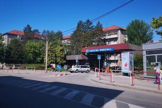 Konečne sa dočkajú aj čakatelia na operačné zákroky v Trenčíne.