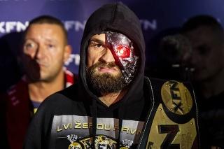 Český bojovník MMA Karlos
