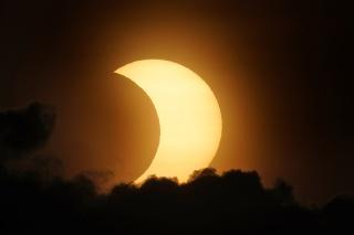 Zatmenie Slnka 10. júna 2021 v New Yorku.