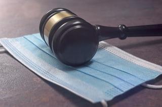 Sudca Dalibor Miľan sa totiž dlhodobo odmieta podrobiť protiepidemickým opatreniam proti šíreniu ochorenia COVID-19. (ilustračné foto)