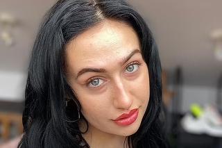Mladá žena začala robiť prostitútku, teraz robí terapeutku.
