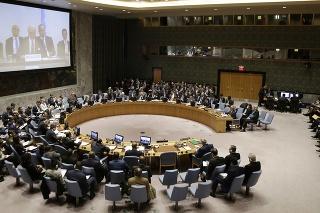 Členovia BR OSN počas zasadnutia Bezpečnostnej rady OSN o situácii v Sýrii v sídle OSN v New Yorku