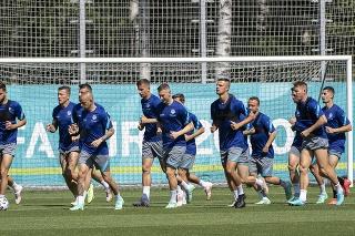 Slovenskí futbalisti pred štartom ME.