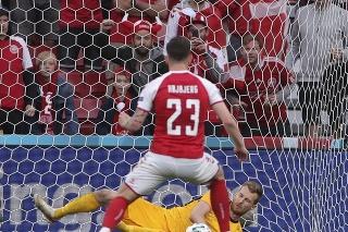 Duel Dánsko - Fínsko sa dohral po kolapse Eriksena.