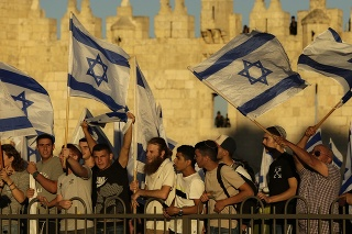 Arabskí poslanci izraelského parlamentu odsúdili izraelský pochod ako provokáciu.