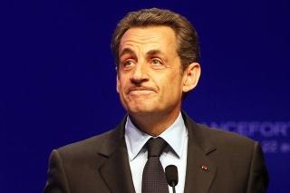 Nicolas Sarkozy zrejme nie je s výsledkom volieb veľmi spokojný.