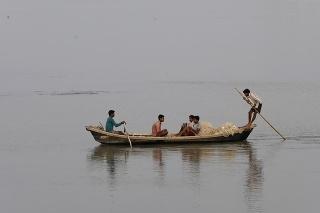 Inda, ktorý sa plavil po rieke Ganga, čakalo obrovské prekvapenie.