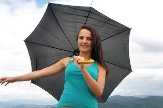 Počas letnej búrky myslite nielen na dáždnik, ale aj na zásady bezpečnosti.
