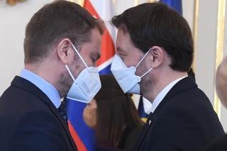 Predseda vlády SR Eduard Heger (OĽaNO) a vľavo minister financií SR Igor Matovič (OĽaNO)