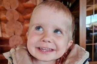 Máj 2021: Usmievavému chlapčekovi sa zmenil život.