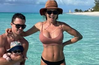 Saša Orviská si užívala nádherný ostrov Turks and Caicos spolu so synčekom Jonatanom a partnerom Jarom Janusom.