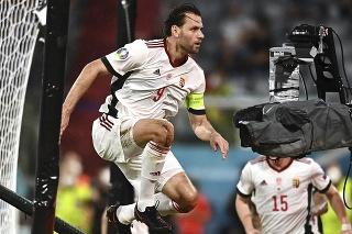 Maďarský futbalista Ádám Szalai sa teší po strelení gólu