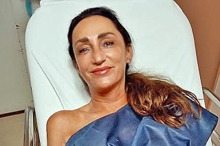 Speváčka podstúpila  operáciu oboch rúk.