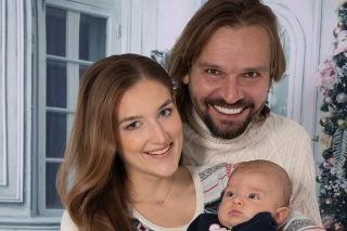 Manželia sú hrdými rodičmi malého Janka.
