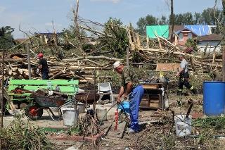 Obrovská spúšť, ktorú po sebe ničivý živel zanechal, chytila za srdce mnoho ľudí, ktorí sa rozhodli pomôcť.