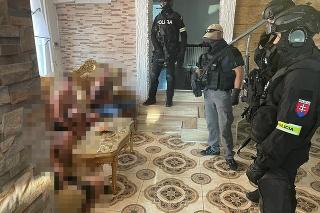 Výsledkom ich spolupráce slovenskej a českej polície bolo rozloženie organizovanej skupiny páchateľov.