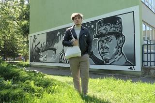 Novú stenu Gymnázia M. R. Štefánika zdobí úchvatné dielo, ktoré v máji 2021 vytvoril Matej Rimai (20).