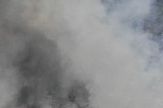 Pri výbuchoch v továrni na pyrotechniku zomreli 4 ľudia.