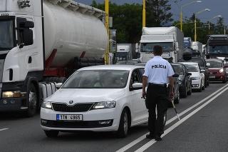 Blokádou cesty medzi Prešovom a Svidníkom chcú poukázať na potrebu R4.