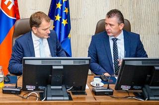 Minister financií SR Eduard Heger, predseda vlády SR Igor Matovič a minister vnútra SR Roman Mikulec