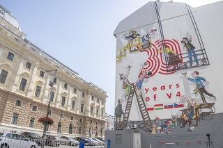 Veľkoformátovú nástennú maľbu (mural) odhalili pri príležitosti 30. výročia vzniku V4 v bratislavskom Starom Meste na Gorkého ulici.