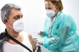 V Bratislave dostalo prvú dávku vakcíny 52,5 percenta  a oboma dávkami je zaočkovaných  39,9 percenta obyvateľov.