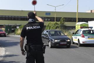 Aktuálne je situácia na hraničných priechodoch podľa polície pokojná.