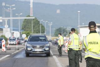 Od 5. júla bude Slovensko v druhej fáze, ktorá zavádza intenzívne kontroly na hraniciach v určených časoch. (ilustračné foto)