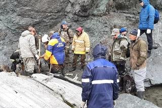 Záchranári na Kamčatke objavili prvé obete havárie lietadla.