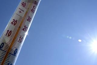 Teplomer na slnku v obci Vinné