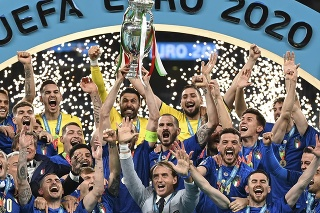 Talianski futbalisti získali titul na EURO 2020 vo futbale na štadióne Wembley v Londýne.