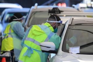 V Sydney zaviedli lockdown z dôvodu nárastu počtu prípadov v ohnisku.