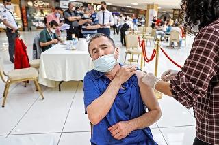 V zahraničí je bežné očkovanie aj mimo centier či nemocníc.