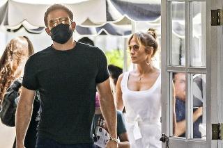 Jennifer je v prítomnosti Bena opäť šťastná.