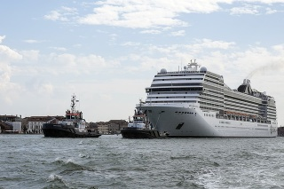 Výletné lode sa do Benátok vrátili.