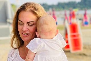 Dcérka Moniky Beňovej rastie ako z vody.