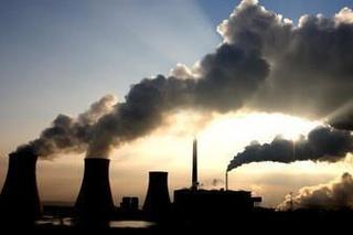 Čína chce znížiť emisie.