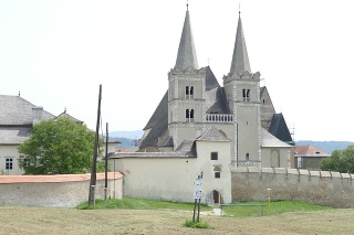 Katedrála sv. Martina: Predstavuje večeradlo – miesto poslednej večere Ježiša Krista.