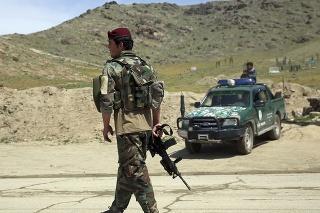 Taliban denne podniká v priemere 55 útokov na afganské vládne jednotky (ilustračné foto).