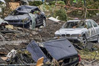 Na najmenej 103 stúpol v piatok počet obetí ničivých záplav v Nemecku.