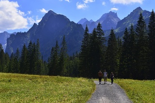 Bielovodská dolina vo Vysokých Tatrách pri hraniciach Slovenska s Poľskom je jednou z najkrajších dolín Tatier.