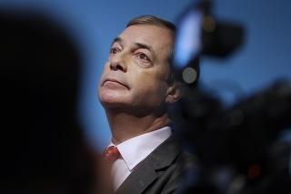 Britský politik Nigel Farage bude moderovať večerný program.