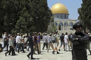 Chrámovú horu navštívili stovky židovských pútnikov.
